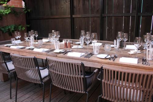 Tisch im Garten vom Camino
