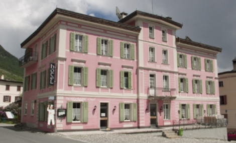 Nicht zu verfehlen - das rosa Hotel