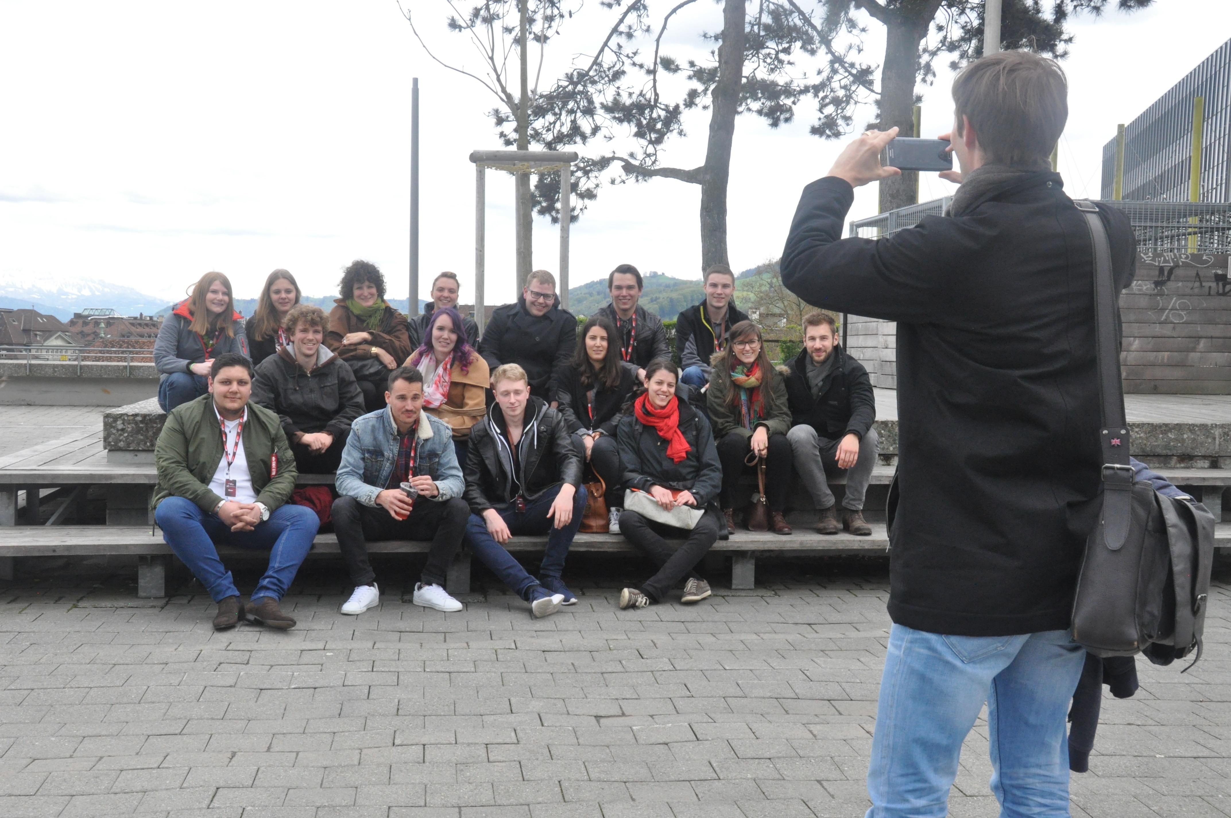 Gruppenfoto La Cuisine de Jeunes Mitglieder